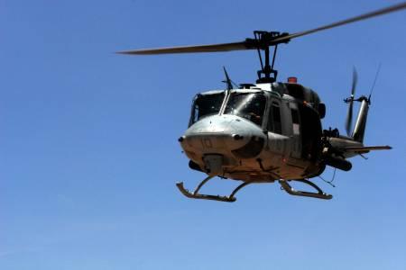 450-uh-1_huey_helicopter