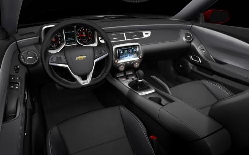 2013-Chevrolet-Camaro-1LE-interior-dashboard-1024x640